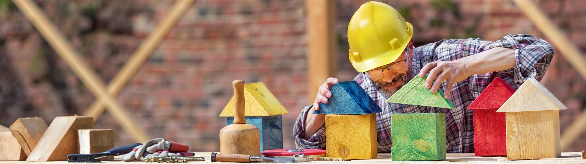 Building Houses with Wood, Creativity